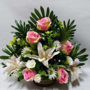 Flores artificiales para Todos los Santos