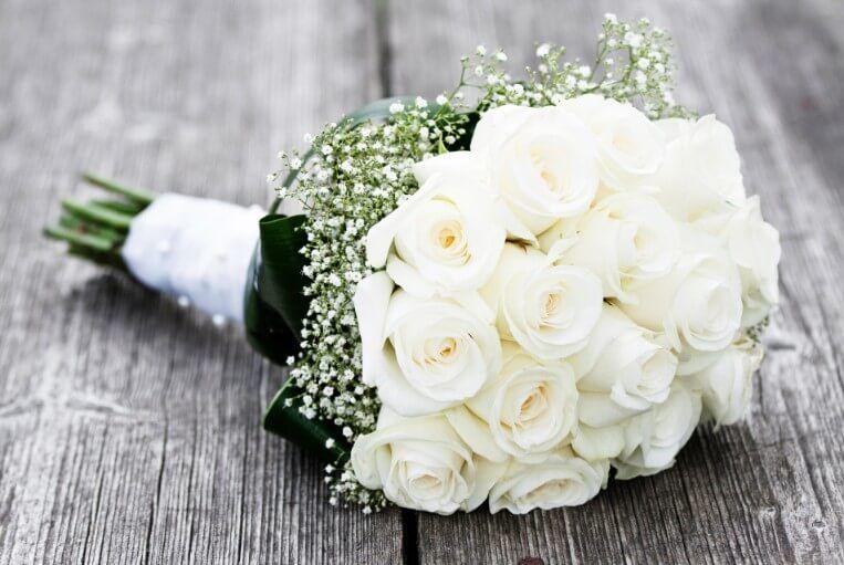flores de para novia blancas